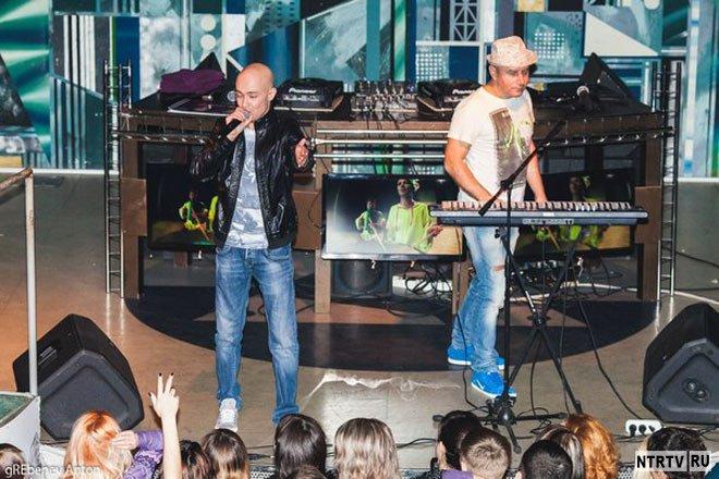 На «Дискаче DFM-Нижнекамск» выступила группа «Фактор-2»