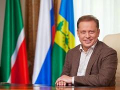 Мэр Нижнекамска в прямом эфире DFM-Нижнекамск расскажет о том, как встречает Новый год