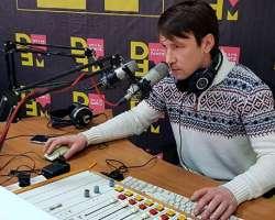 Радиоведущий Алексей Бажов: «Каждый прямой эфир - это непредсказуемый процесс, и постоянно что-то случается»