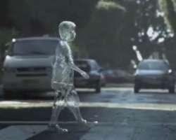 Безопасность дорожного движения. Стеклянный пешеход
